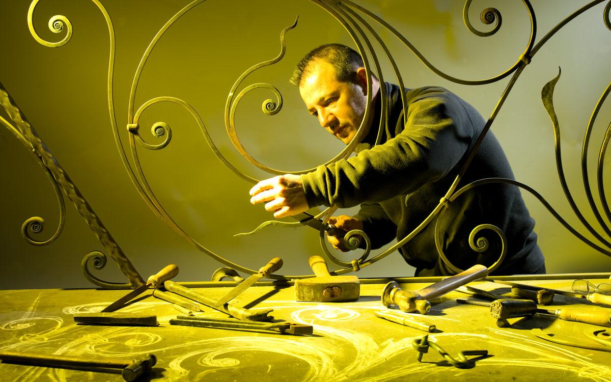 Roberto Ziranu e l'arte del ferro battuto