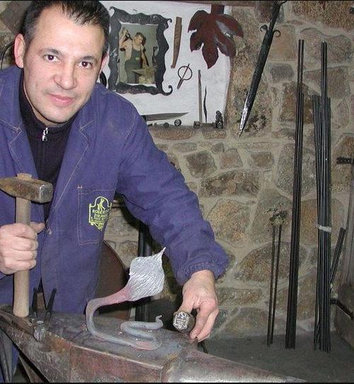 Il ferro rabbonito di Roberto Ziranu conquista anche il cuore di Roma