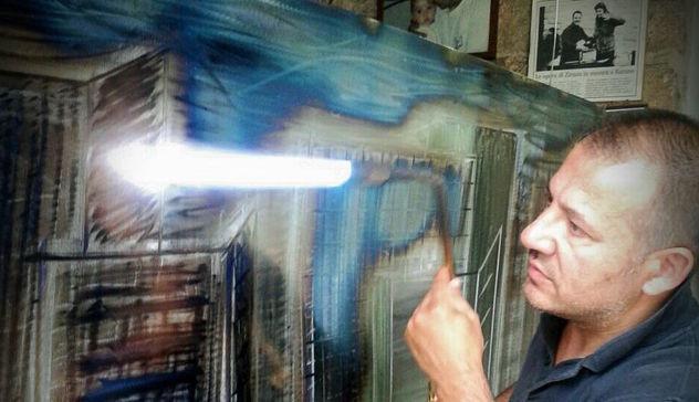DOHA, CITTÀ DI FERRO. LA CAPITALE DEL QATAR RIPRODOTTA DALL'ARTISTA ROBERTO ZIRANU
